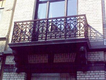 balcons en fonte et pi ces d tach es avec la ferronnerie janssens sprl. Black Bedroom Furniture Sets. Home Design Ideas